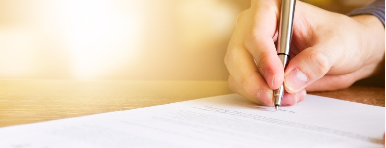 business-man-signing-contract-document-picture-id542327964.jpg