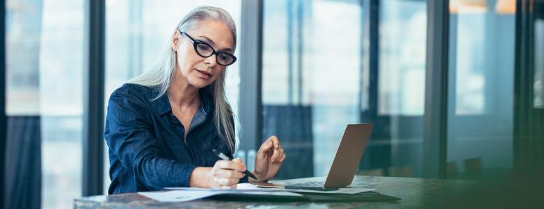 senior-businesswoman-working-at-office
